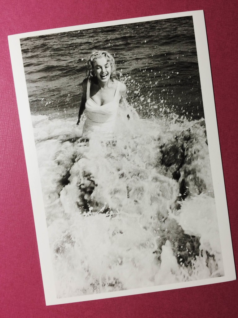 "Открытка ""Marilyn in the water off the Hamptons, 1958''"